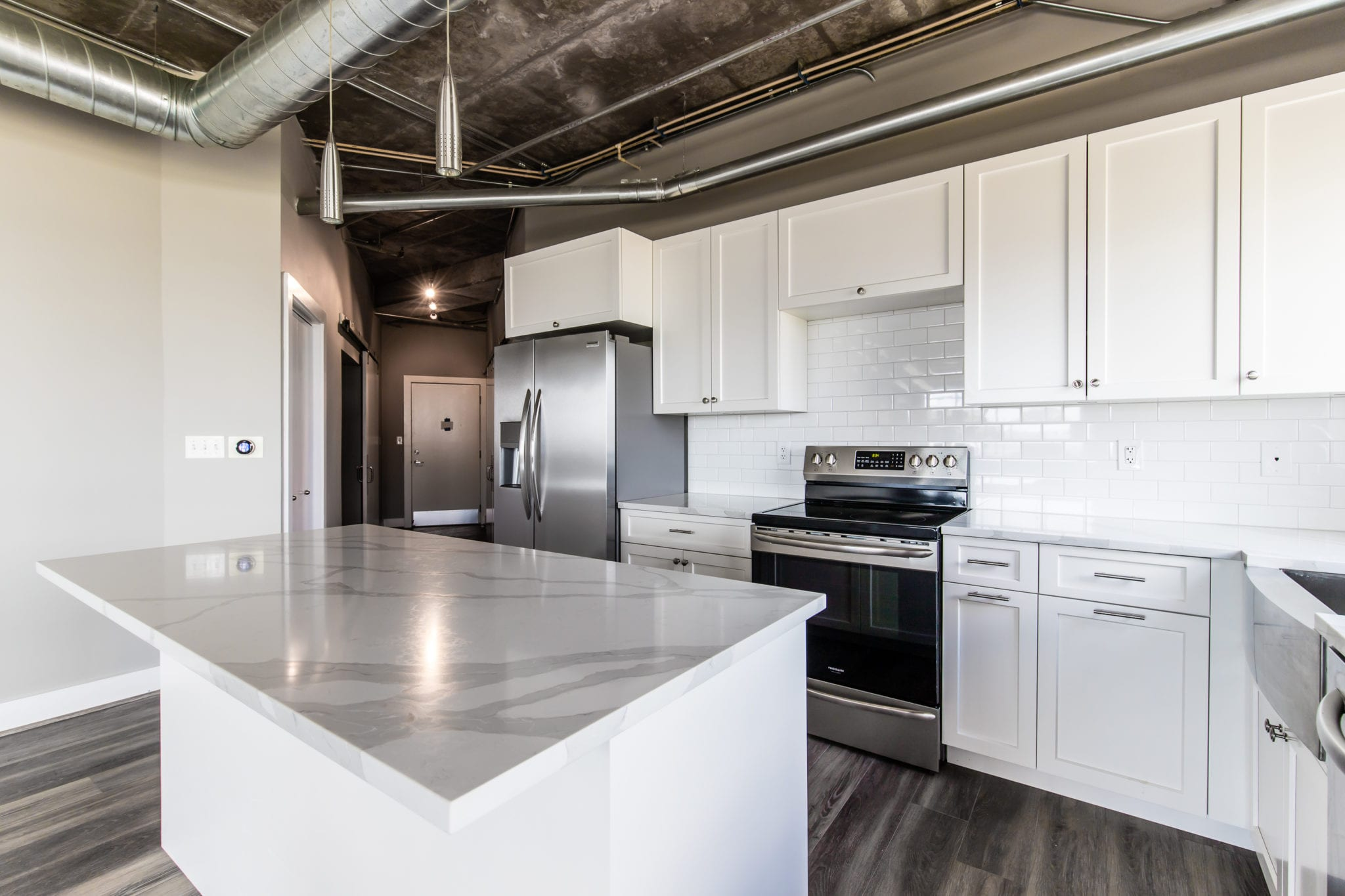Mid-Rise-Dallas-Condo-Kitchen-Cabinets-After-Remodeling-Dallas-TX-75215
