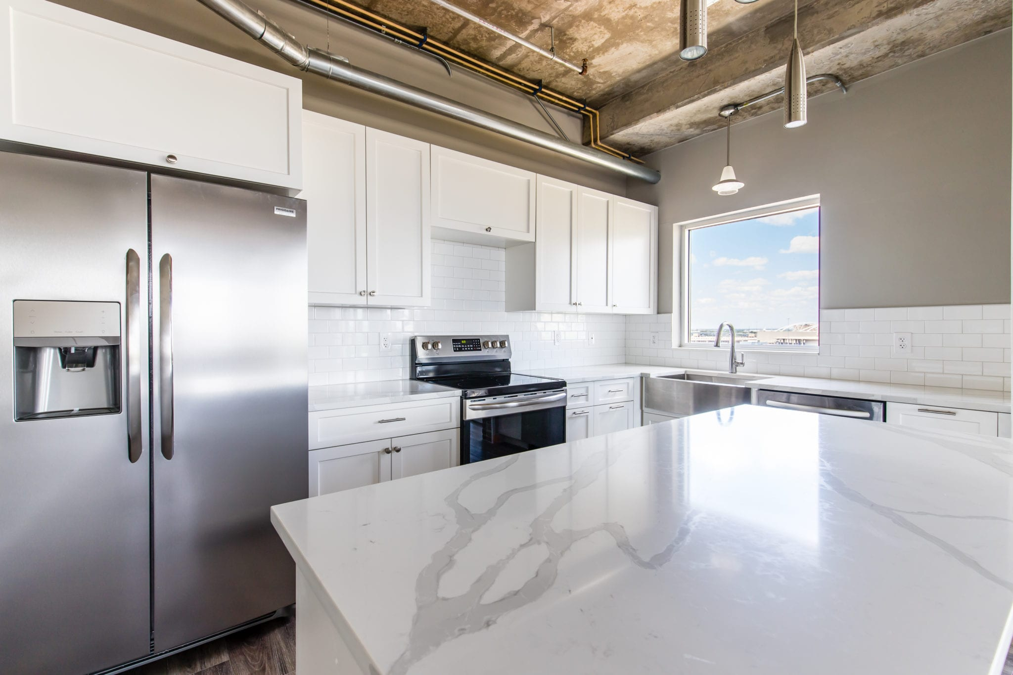Mid-Rise-Dallas-Condo-Kitchen-New-Countertop-After-Remodeling-Dallas-TX-75215