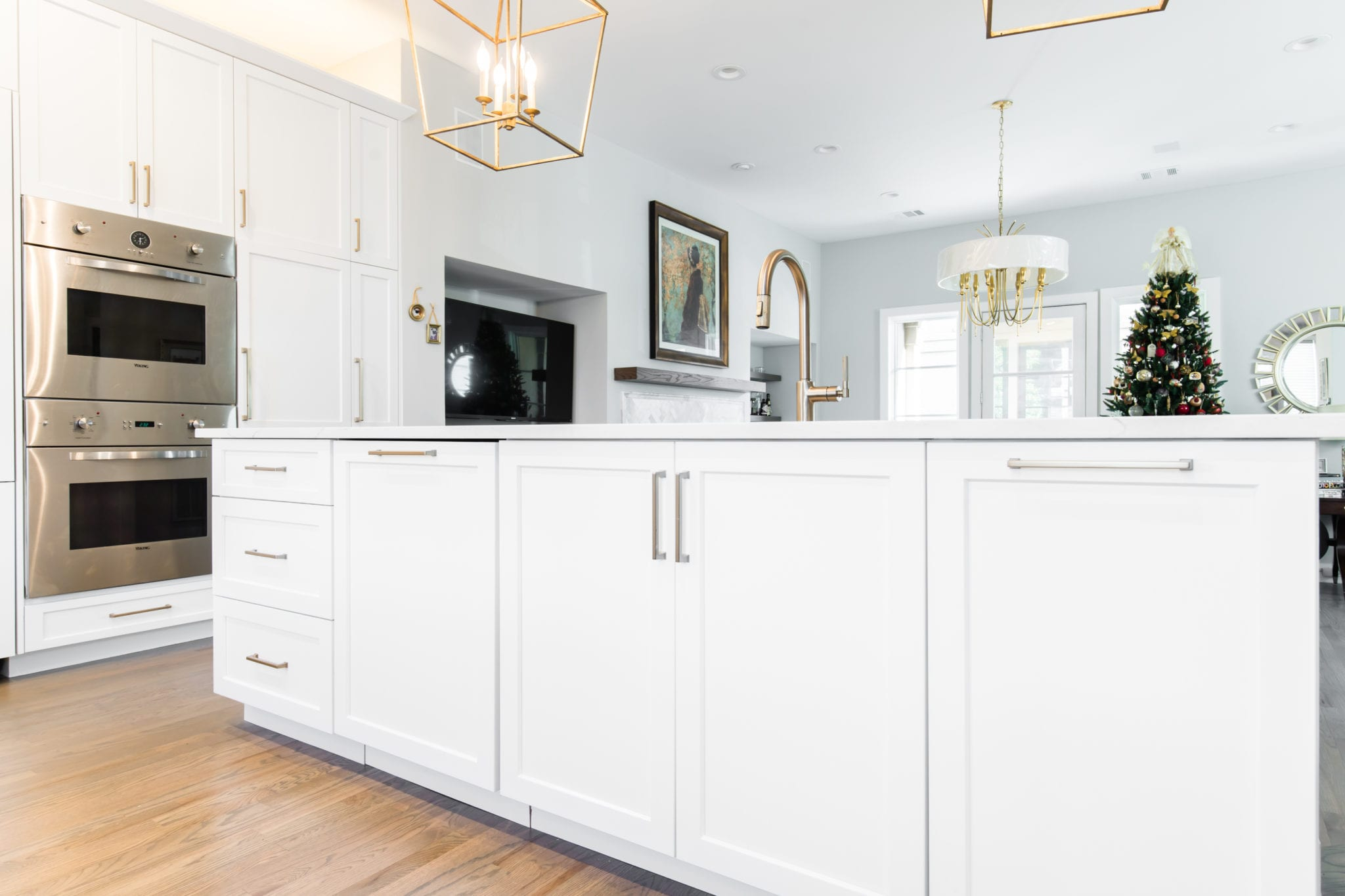 Custom-Islnad-Cabinets-After-Kitchen-Remodel-Turtle-Creek-Texas-Townhome-Condo